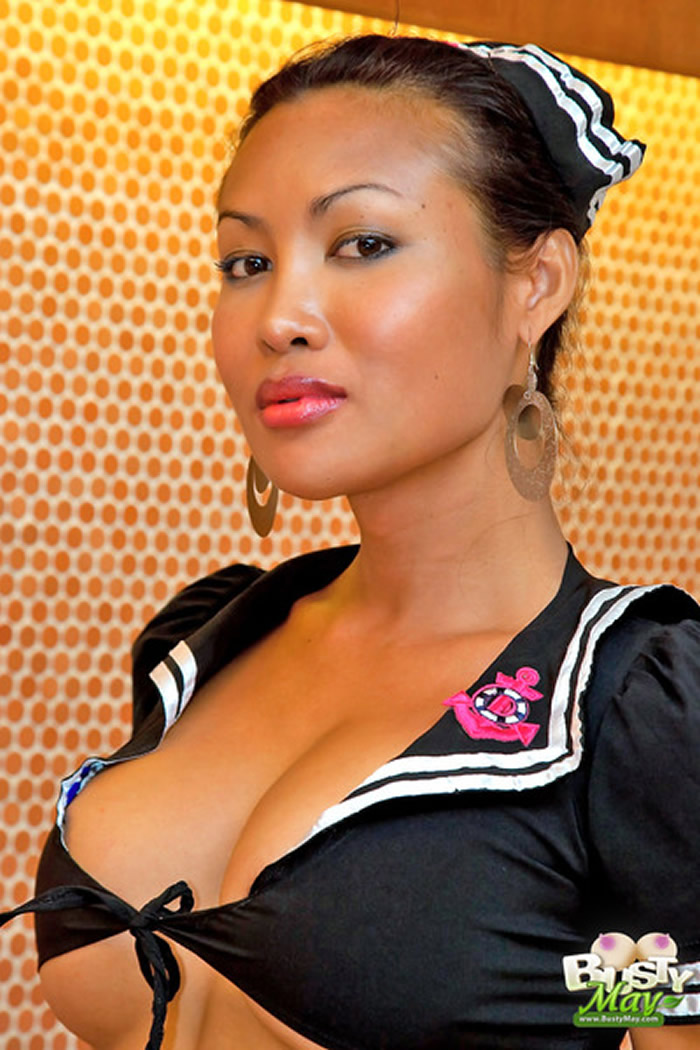 Ladyboy Busty May Close Up